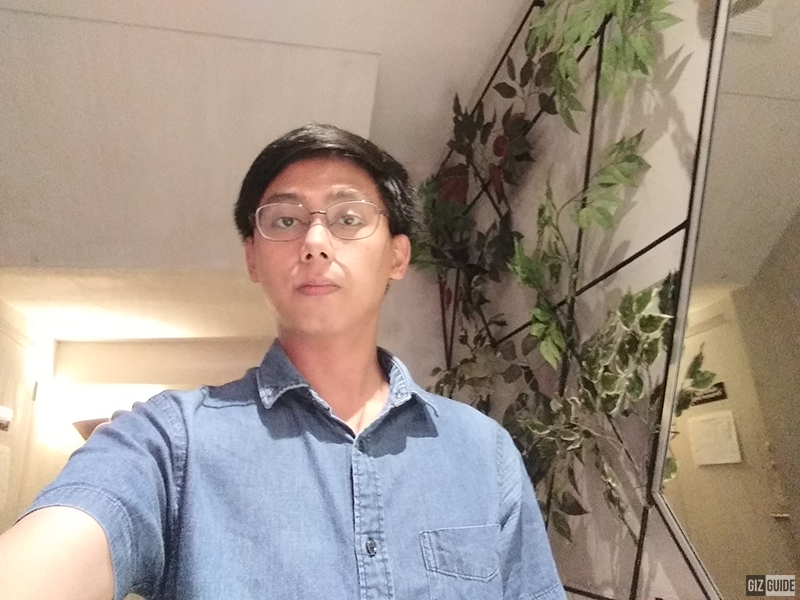Dim selfie J4+