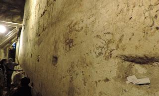 roche-mur-mont-temple