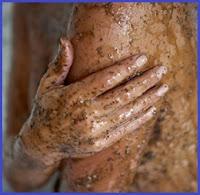 scrub naturale per la-pelle coi fondi del caffe