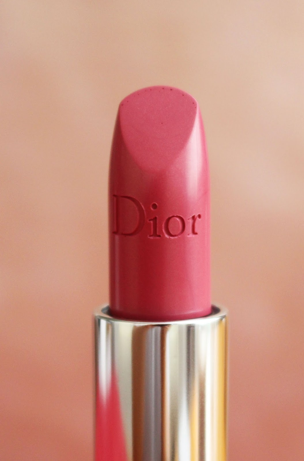 Red Lips Vs Nude Lips with What Makeup Match Dior?