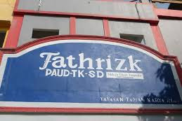 Lowongan Kerja Pekanbaru : Fathrizk School Juni 2017