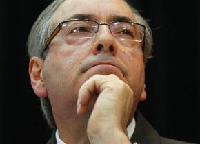 Delação: 'Cunha já mandou avisar que, se cair, não cai sozinho', diz jornalista