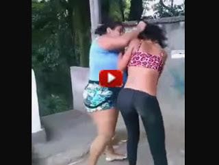 Moglie tradita fa lo strascino alle amanti del marito - video