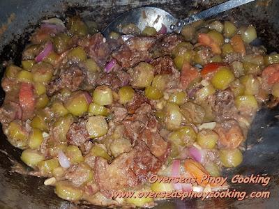 Binagoongan Kamias at Baboy - Cooking Procedure
