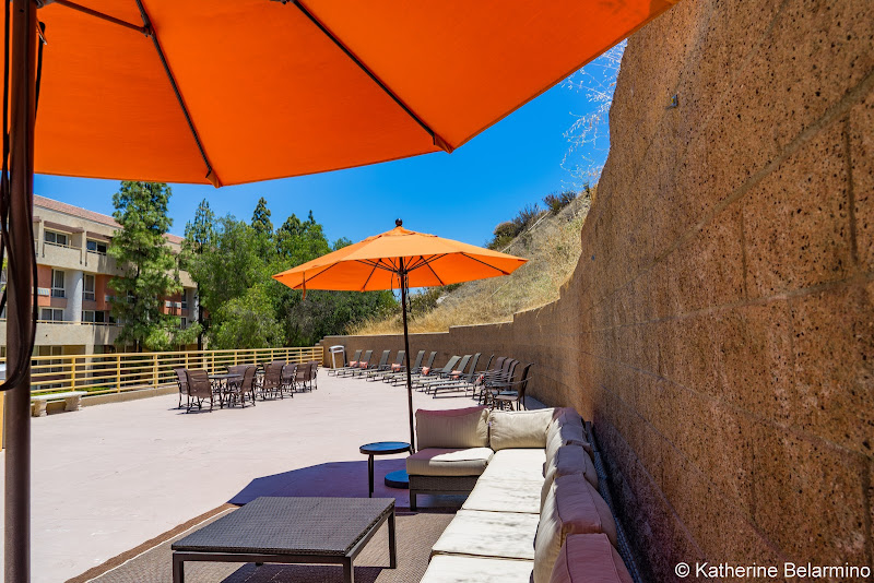 Sheraton Agoura Hills Lounge Area Guide to Conejo Valley Weekend Getaway