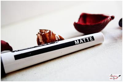 Master Ink Eyeliner maybelline matte