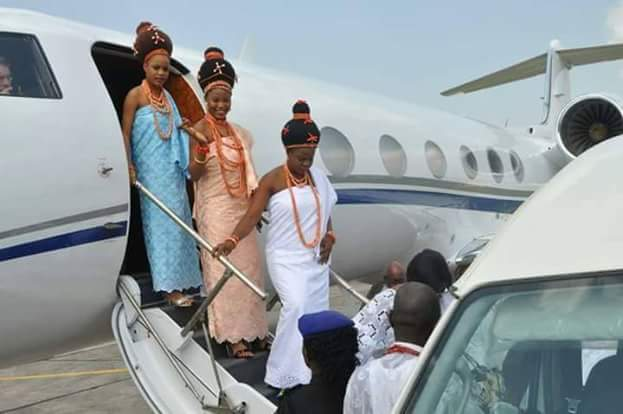 Oba of Benin and his wives return to Benin after historic first visit to Abuja