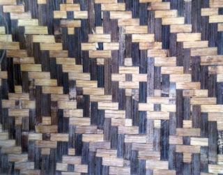 bilik bambu motif batik