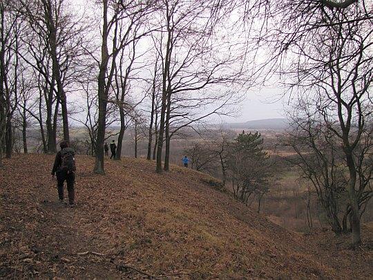 Stąd schodzimy do Jaskini Przegińskiej.