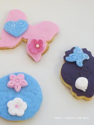 Cookies von Kindern mit Fondant verziert