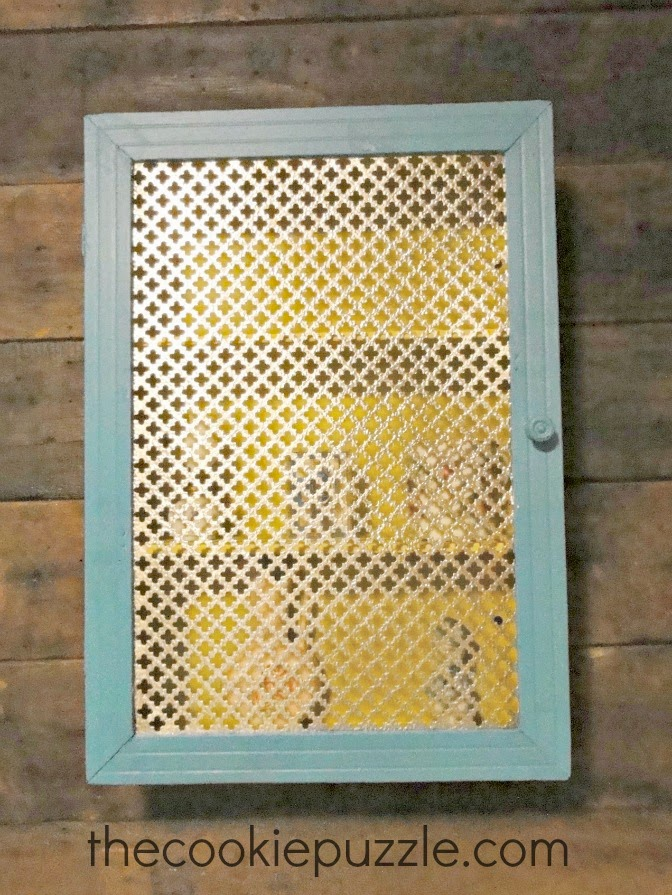 The Cookie Puzzle: Bathroom Cabinet Makeover