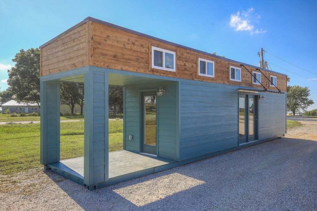 4 Minimalist Wooden House Design In The Narrow Land Home Building