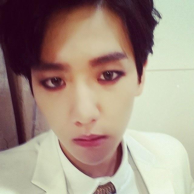 kpop destino KIM JUNG WOO INSTAGRAMS BAEK JI YOUNG EXOXiumin Smiling Gif