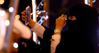 بعد رهف القنون.. نجود المنديل فتاة سعودية أخرى تنشر فيديو مُثير للجدل على مواقع التواصل الاجتماعي