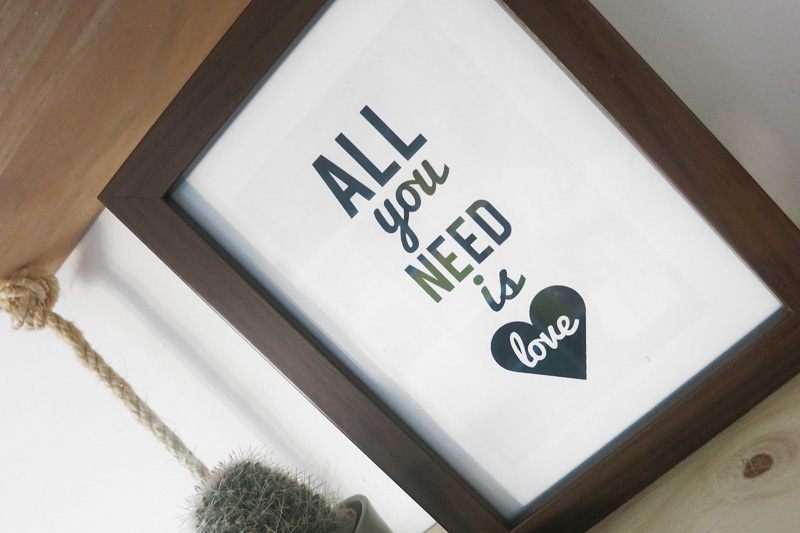 Decorar en familia: Lámina descargable All You Need Is Love1
