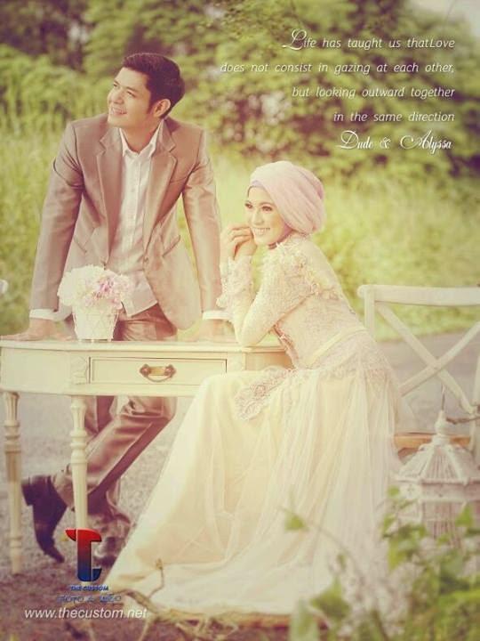 gaun pernikahan muslim modern