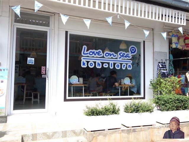 Kedai Es Krim Love on Sea di Koh Larn