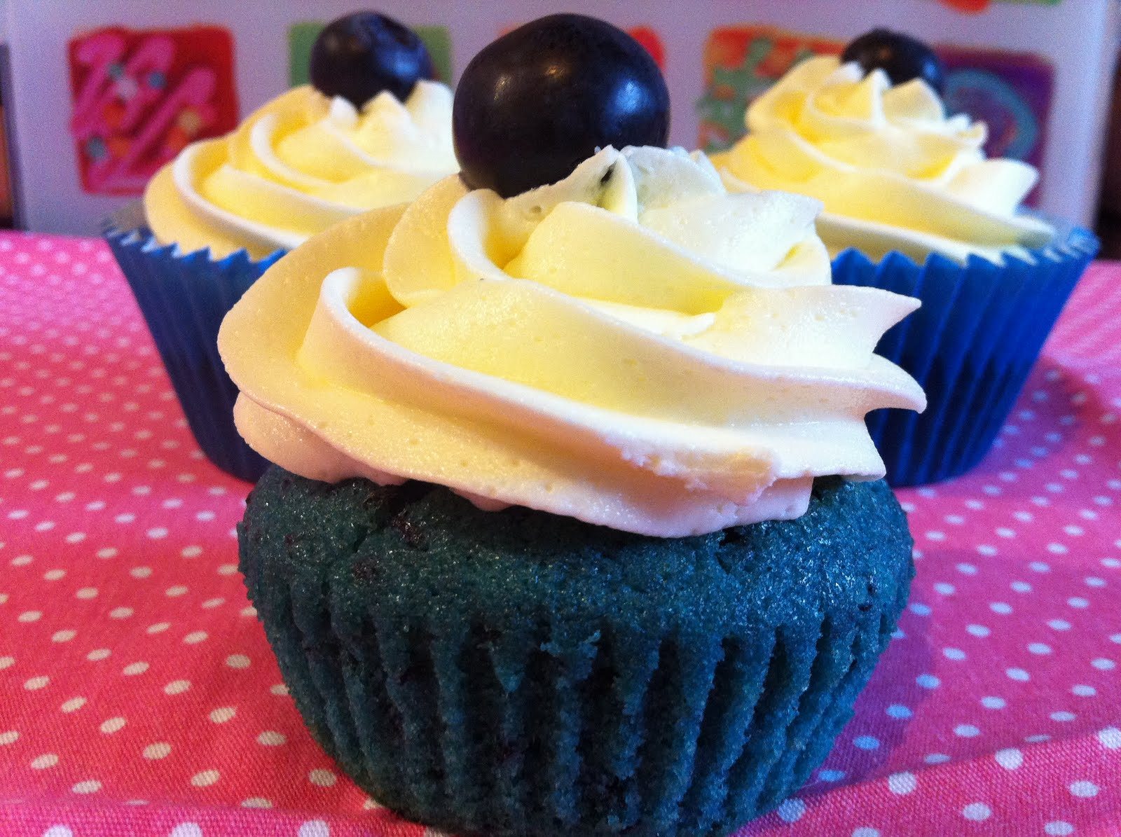 Mini Signature Vanilla Cupcake (Blue)   Sweet Couture   Blue Vanilla Cupcakes