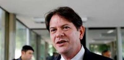Ex-governador Cid Gomes retira processo contra jornalista Ricardo Boechat