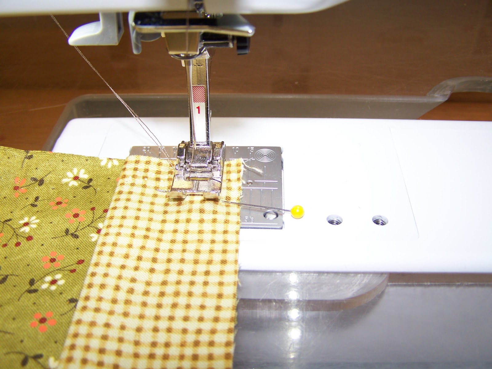 sewcreatelive: Simple Three-Fabric Pillowcase Project