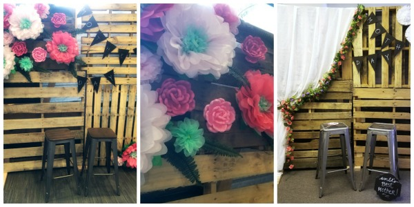 DIY pallet photo booth