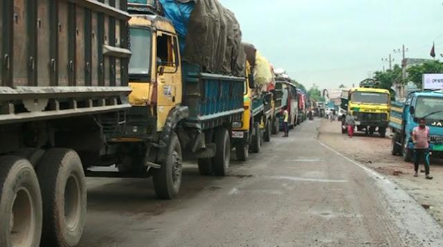 ঢাকা-টাঙ্গাইল মহাসড়কে থেমে থেমে যানজট