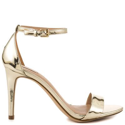 como combinar zapatos dorados