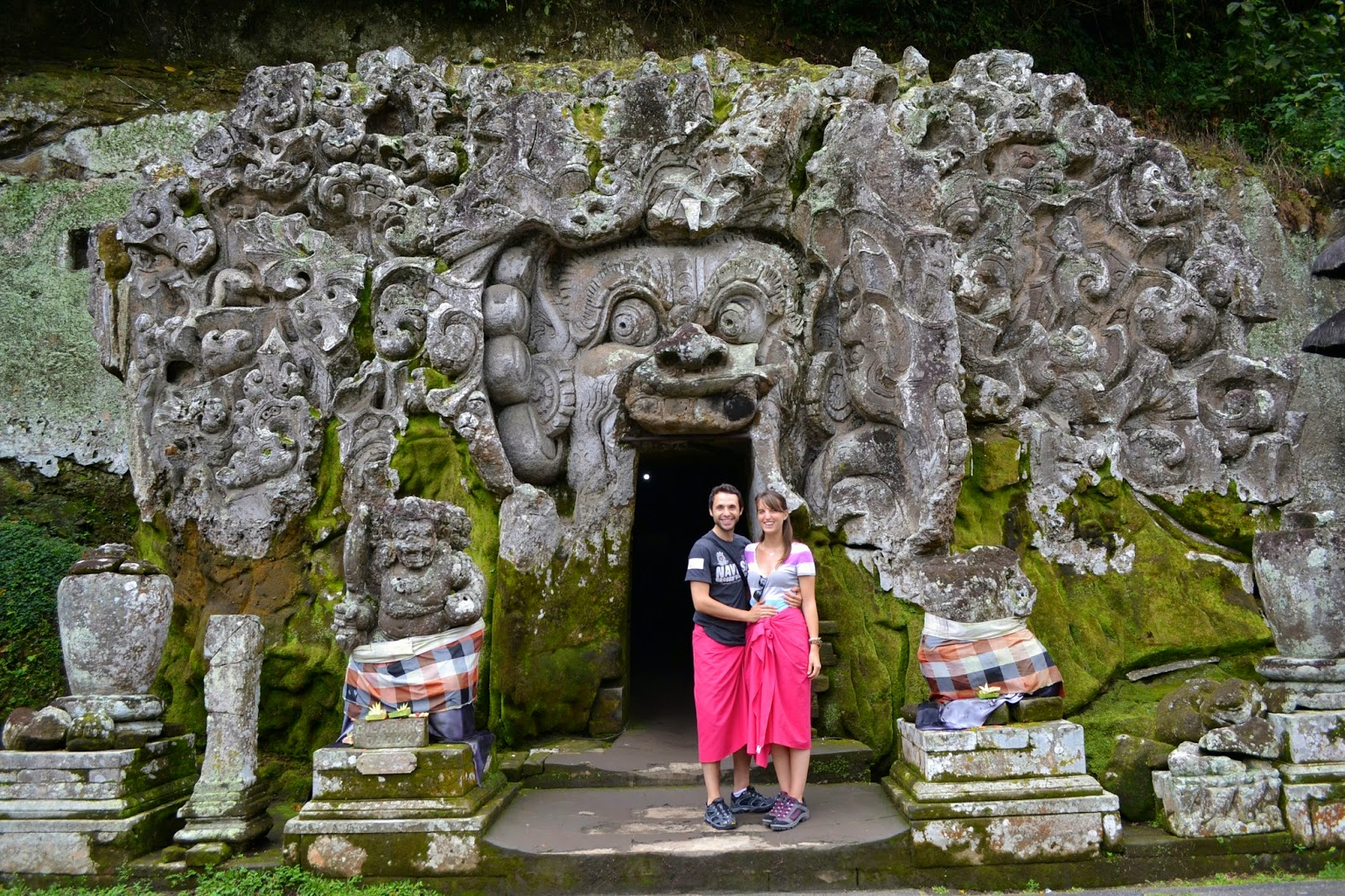 cueva del elefante, bali, indonesia