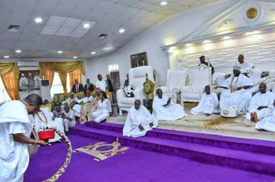 Ooni of Ife & Wife Receive Gov Obiano In His Palace (Photos)