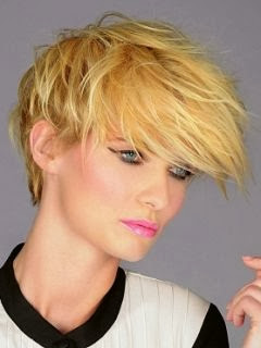 Summer Short Layered Hair Style
