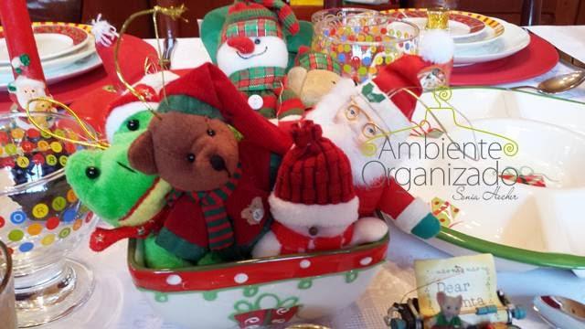Enfeite de Natal na mesa das crianças