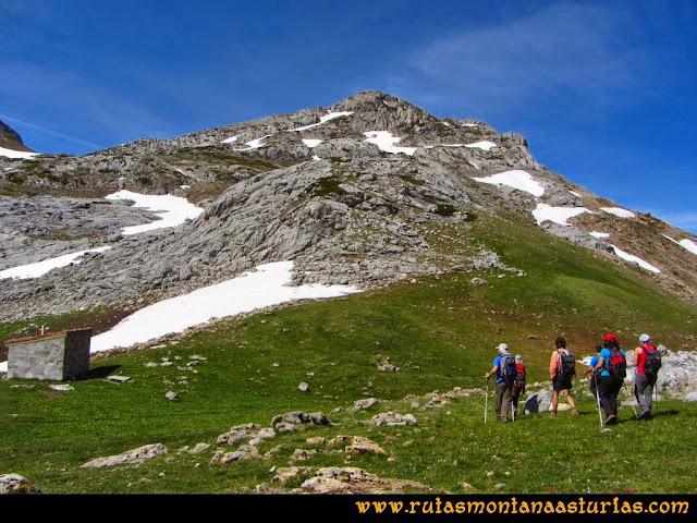 Ruta Farrapona, Albos, Calabazosa: Camino al Albo Occidental desde la Vega Cerviz