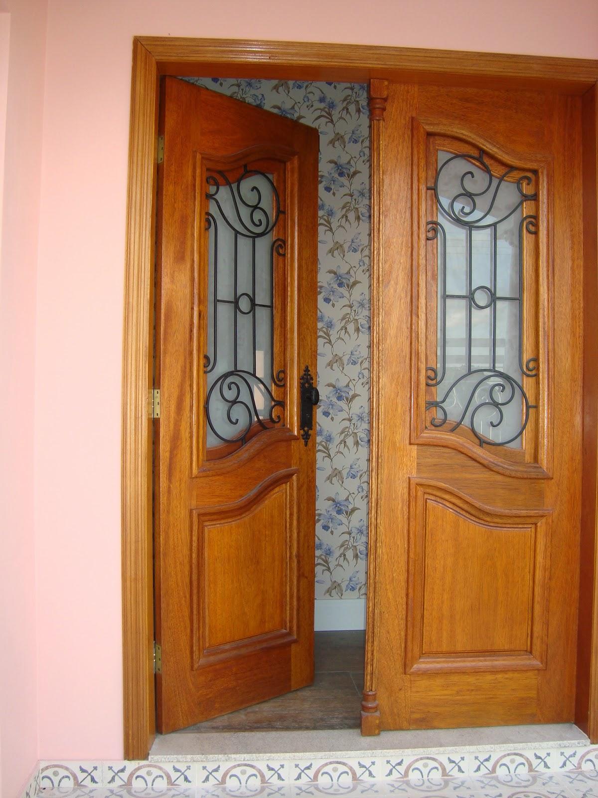 #833B0F  um charme bem clássico em portas e janelas mas e na hora de limpar 812 Limpar Vidros Janelas