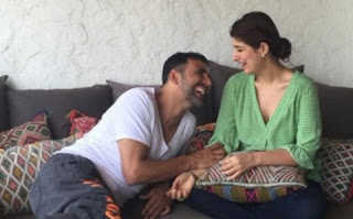 Akshay Kumar and Twinkle Khanna in romantic mood after married