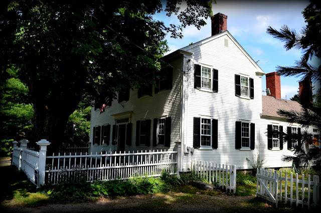 Colonial House, Center Sandwich, New Hampshire, shadow, trees
