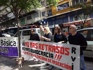 Frente a las oficinas del Consell en la ciudad de Alacant