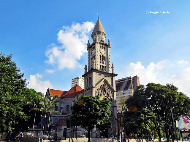 Vista ampla da Paróquia Nossa Senhora da Consolação - Consolação - São Paulo