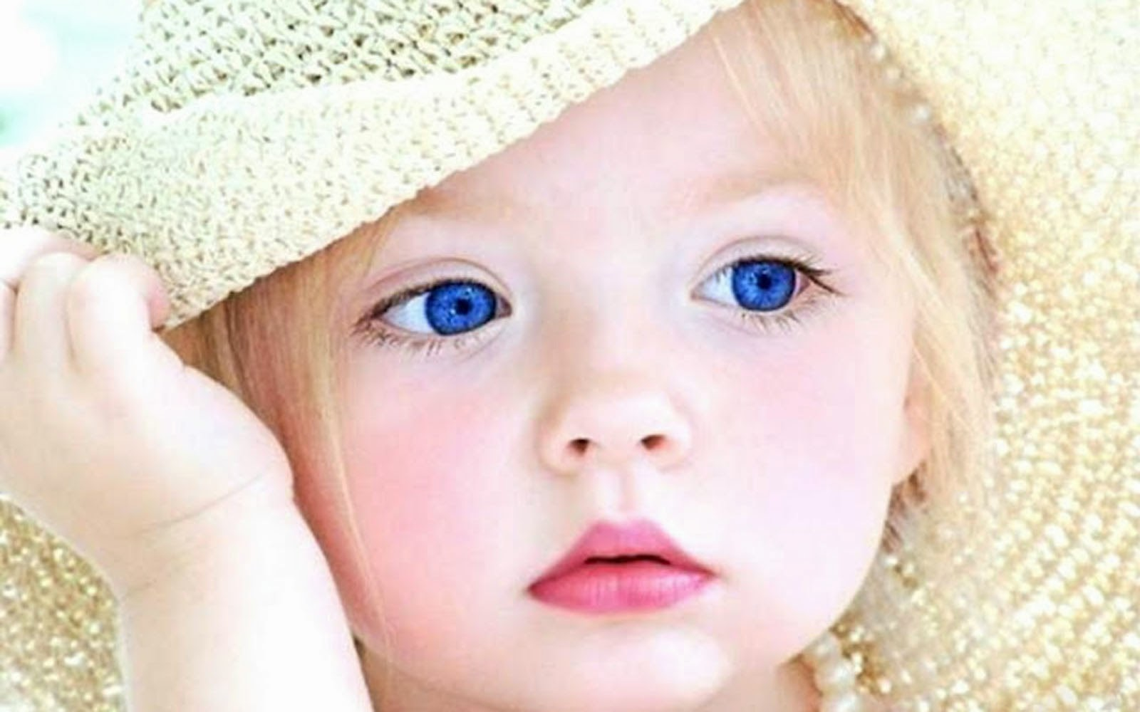 Cute Baby Wallpapers Free Download: Cute Baby Wallpapers Free Download