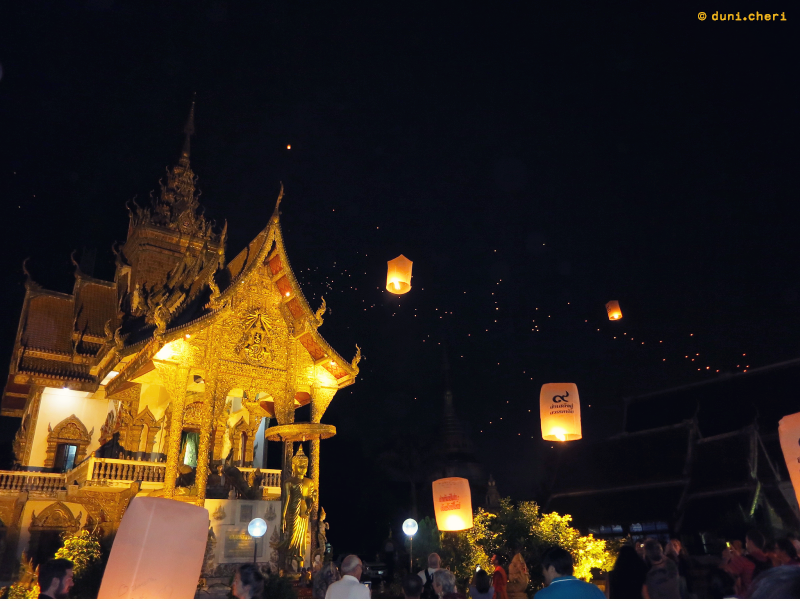 chiang mai himmelslaternen silvester thailand