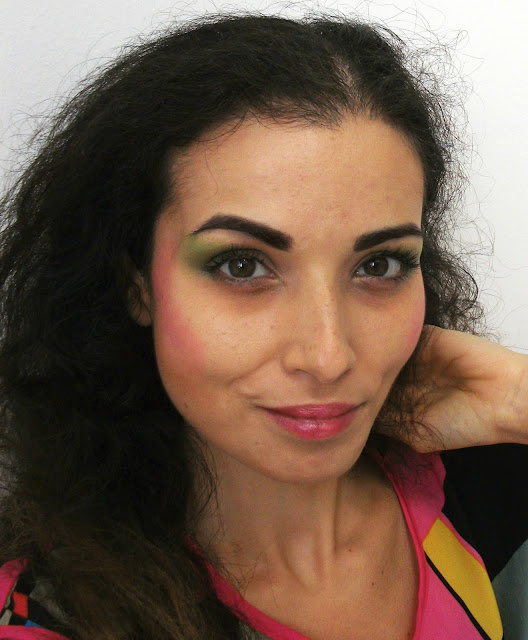 80's easy make-up, perfect for Halloween face make-up by Valentina Chirico
