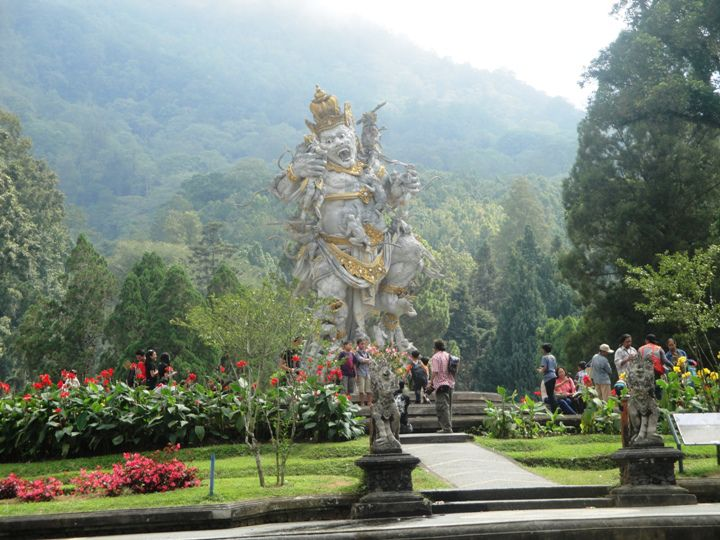 Bedugul-Bali Botanical Garden Tour Program (Sightseeing Schedule) - Tour, Program, Trip, Itinerary, Plan, Schedule, Bali, Mengwi, Taman Ayun, Royal Temple, Candi Kuning, Fruits Vegetables Market, Bedugul, Botanical Garden, Ulun Danu, Lake, Beratan, Bratan, Mentari, Restaurant, lunch, Tanah Lot, Beraban Village, Kediri, Tabanan, Attractions, Holidays, Vacation, Tours