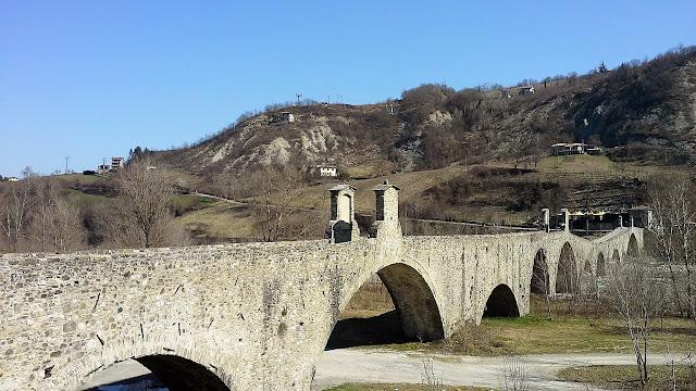 Bobbio: ponte gobbo
