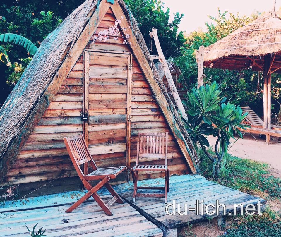 Hình ảnh các ngôi nhà gỗ ở khu du lịch Sao Biển