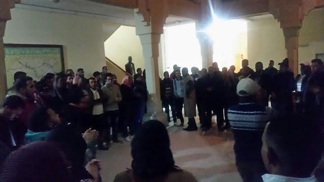 المجازون المقصيون من مباراة التعاقد يحتجون بمديرية زاكورة