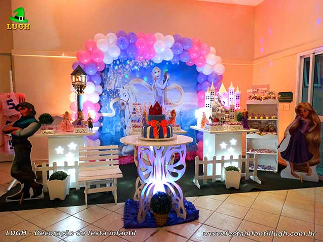 Decoração Os Enrolados - Rapunzel - Mesa decorada para festa de aniversário infantil feminina