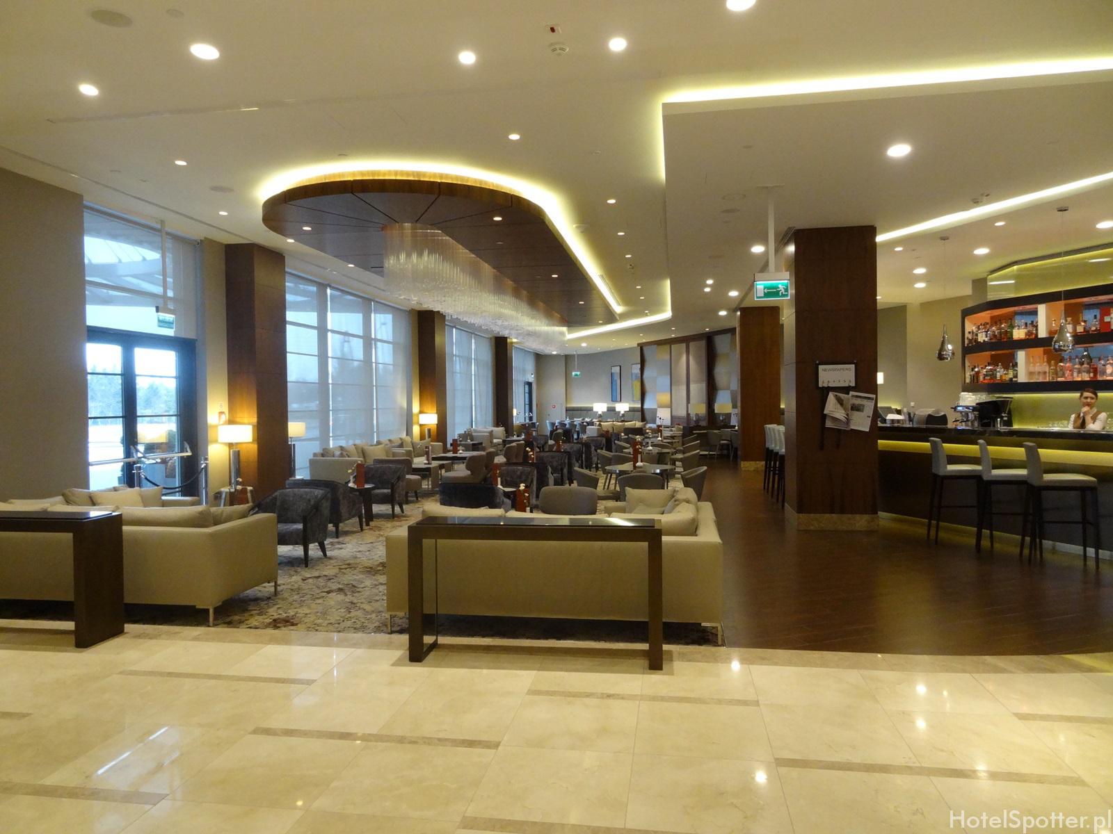 DoubleTree by Hilton Warsaw - bar w lobby