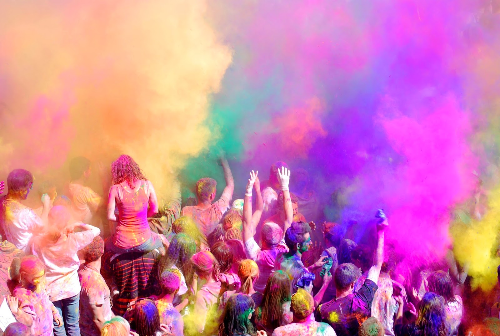 Top 10 Happy Holi 2014 Wallpapers, Images, Snapshots, Photos, Pics