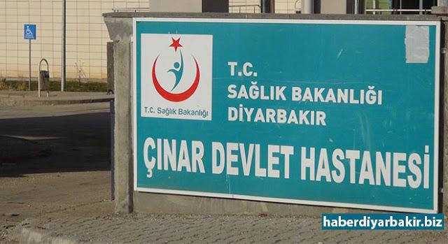 DİYARBAKIR-Çınar'ın İnanözü (Küfriye) Mahallesi'nde bir kargo aracının altında kalan 2 yaşındaki bir çocuk hayatını kaybetti.