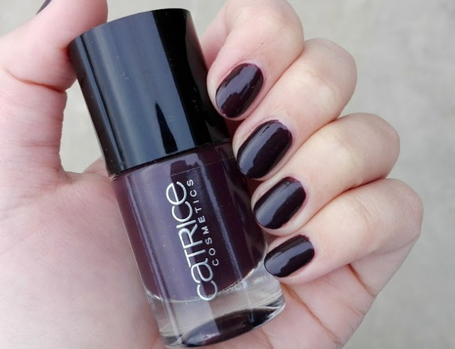 Catrice Ultimate Nail Lacquer 38 Vino Tinto Swatch