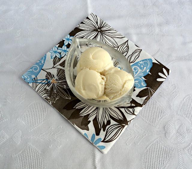 helado-chocolate-blanco-cuenco